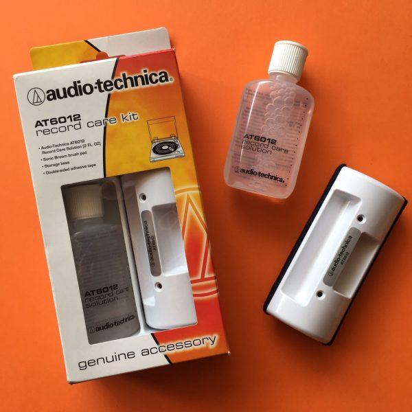 Set limpiador de vinilos Audio-Technica AT6012